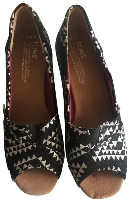 Item - Black/White Batik Wedges Size US 6.5 Wide (C, D)