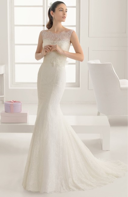 Item - Evelyn Detail Lace & Tulle Trumpet Gown Formal Wedding Dress Size 10 (M)