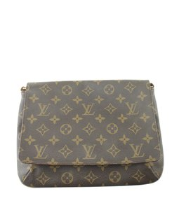 5dfd3e6cc Louis Vuitton Musette Tango Shoulder Bags - Up to 70% off at Tradesy