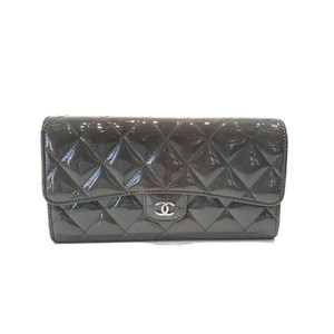 Chanel Chanel CC Logo Quilted Grey Patent Wallet