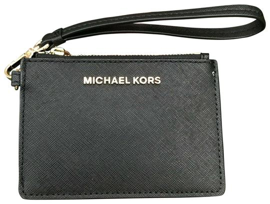 Preload https://img-static.tradesy.com/item/25544346/michael-kors-jet-set-travel-coin-wallet-card-holder-black-leather-wristlet-0-1-540-540.jpg