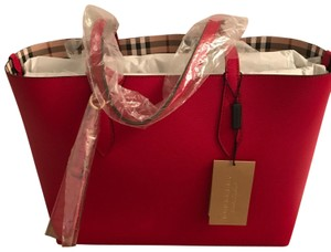 92406f423 Burberry Reversible Haymarket Reverse Leather Tote in Red