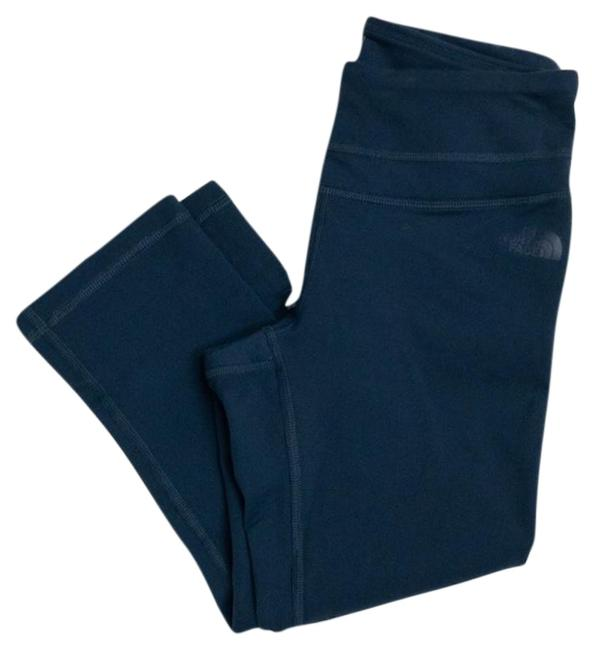 Item - Navy Capri Fitted Activewear Bottoms Size 4 (S, 27)