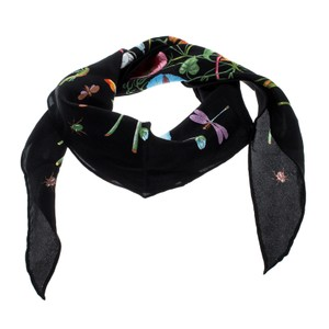 a4adaeea8cf6 Women's Scarves & Wraps - Up to 70% off at Tradesy