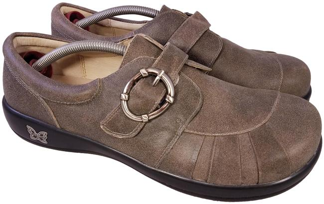 Item - Brown Mint Loafers Slip On Buckle 42/10.5-11 Formal Shoes Size EU 42 (Approx. US 12) Regular (M, B)