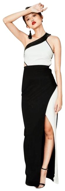 Item - Black and White One Shoulder Gown Long Cocktail Dress Size 8 (M)