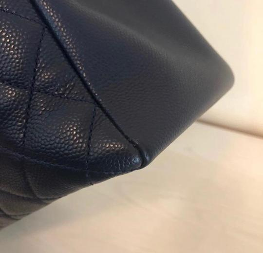 Chanel Tote in Navy Blue Image 2