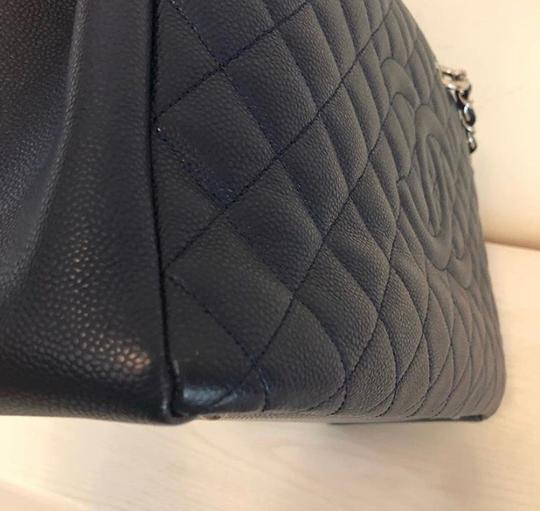 Chanel Tote in Navy Blue Image 3