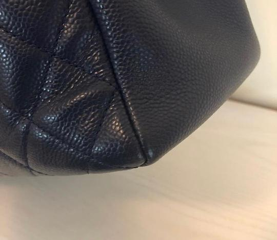 Chanel Tote in Navy Blue Image 4