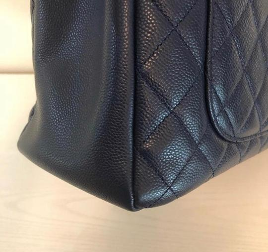 Chanel Tote in Navy Blue Image 6