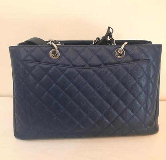 Chanel Tote in Navy Blue Image 7