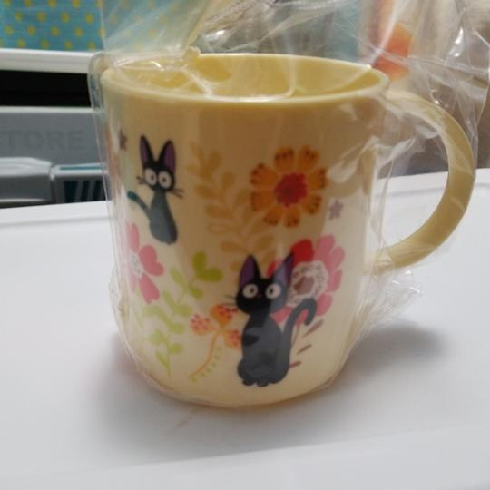 Preload https://item2.tradesy.com/images/yellow-totoro-cup-25549131-0-0.jpg?width=440&height=440