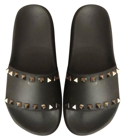 Preload https://img-static.tradesy.com/item/25549315/valentino-black-garavani-rockstud-slides-sandals-size-eu-36-approx-us-6-regular-m-b-0-1-540-540.jpg