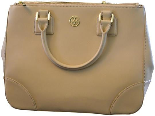 Preload https://img-static.tradesy.com/item/25551541/tory-burch-shoulder-bag-robinson-double-zip-tote-toasted-wheat-beige-saffiano-leather-satchel-0-1-540-540.jpg