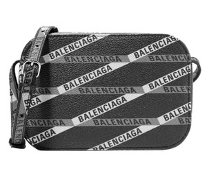 f941d10600 Balenciaga Handbags on Sale - Up to 70% off at Tradesy