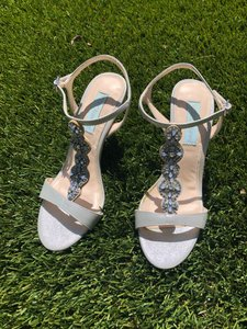 Betsey Johnson Silver Blue Formal Size US 6.5 Regular (M, B)
