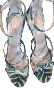 Nine West Green/Pink Sandals