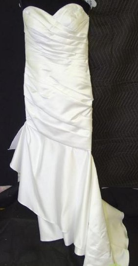 Moonlight Bridal White T482 Traditional Wedding Dress Size 12 (L) Image 0