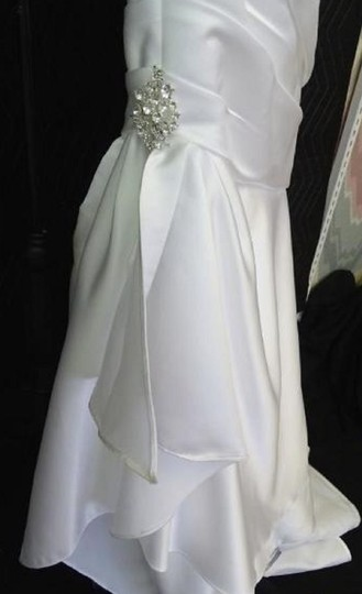 Moonlight Bridal White T482 Traditional Wedding Dress Size 12 (L) Image 9