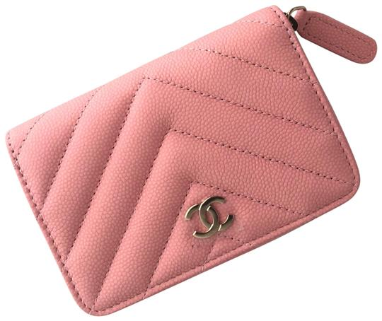 Preload https://img-static.tradesy.com/item/25552909/chanel-pink-classic-coin-purse-in-matte-caviar-wallet-0-1-540-540.jpg