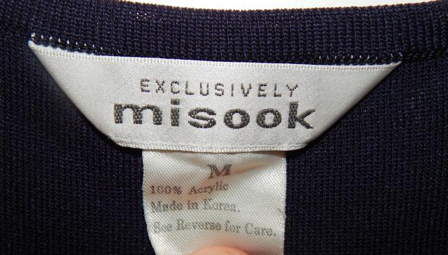 Misook Acrylic Shell Top Navy blue & White Image 1