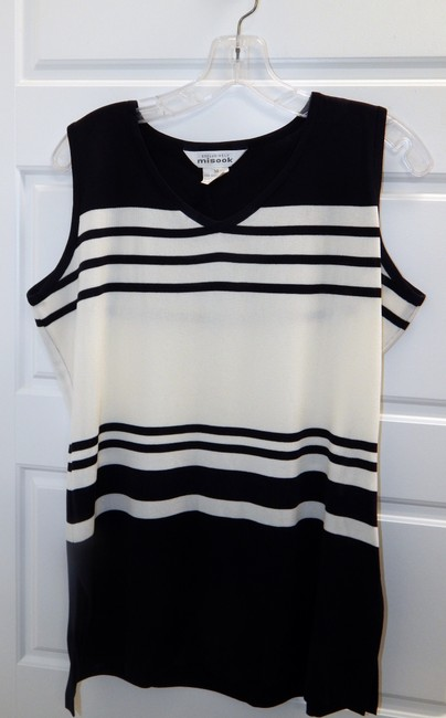Misook Acrylic Shell Top Navy blue & White Image 4