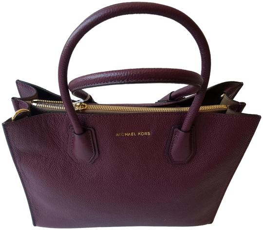 Preload https://img-static.tradesy.com/item/25553105/michael-kors-bag-mercer-pebbled-plum-leather-tote-0-1-540-540.jpg