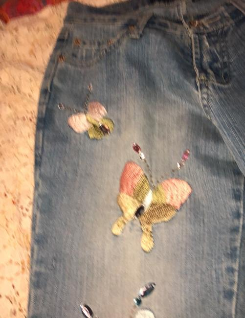 Blue Point Jeans With Butterflies Skinny Jeans Size 3 Skinny Jeans-Light Wash Image 3