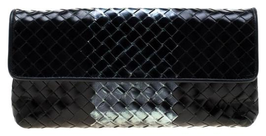 Preload https://img-static.tradesy.com/item/25553117/bottega-veneta-blackmetallic-intrecciato-flap-black-leather-clutch-0-1-540-540.jpg