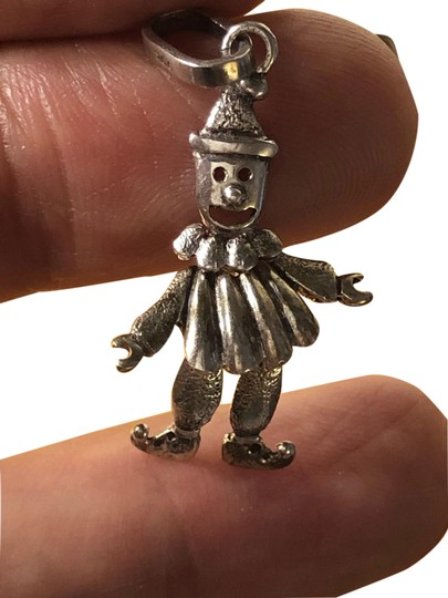 Preload https://img-static.tradesy.com/item/25553207/vintage-925-sterling-silver-smiling-happy-clown-movable-pendant-charm-0-1-540-540.jpg