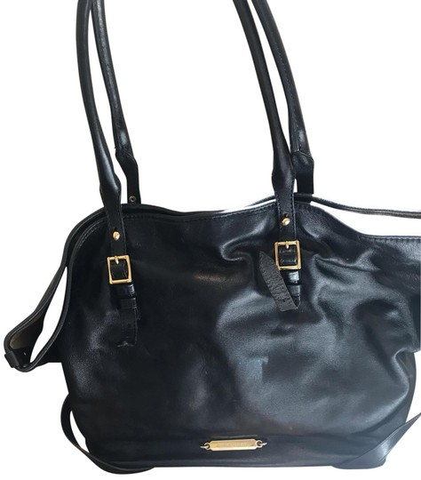 Preload https://img-static.tradesy.com/item/25553359/burberry-horseferry-black-lambskin-leather-tote-0-1-540-540.jpg