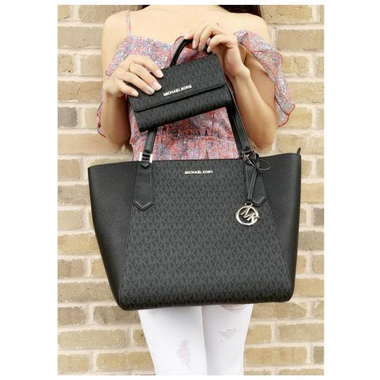 Michael Kors Womens Signature Wallet Tote in Black Image 5