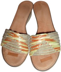 Italian Shoemakers Melon Summer Woven Textured Padded Orange Mules