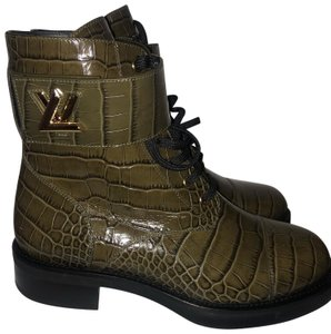 a556916e3a8 Louis Vuitton Boots & Booties 9 Up to 90% off at Tradesy