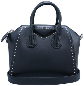4d6c3ca05b3 Givenchy Antigona Calfskin Mini Satchel in black