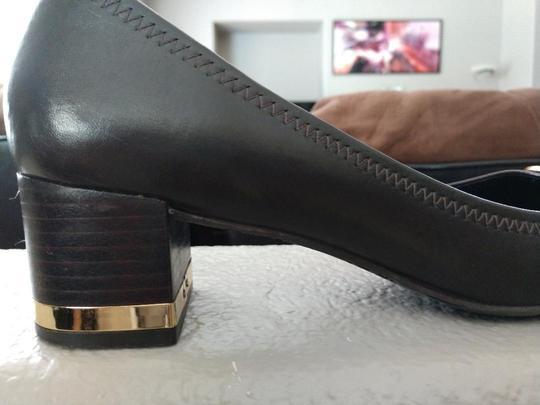 Tory Burch Amy Brown Pumps Image 3