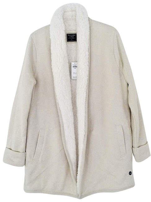 Preload https://img-static.tradesy.com/item/25556792/abercrombie-and-fitch-ivory-a-and-f-sweater-jacket-size-16-xl-plus-0x-0-1-650-650.jpg