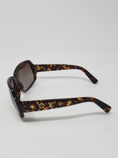 Louis Vuitton Brown tortoiseshell resin Louis Vuitton Obsession Carré sunglasses Image 9