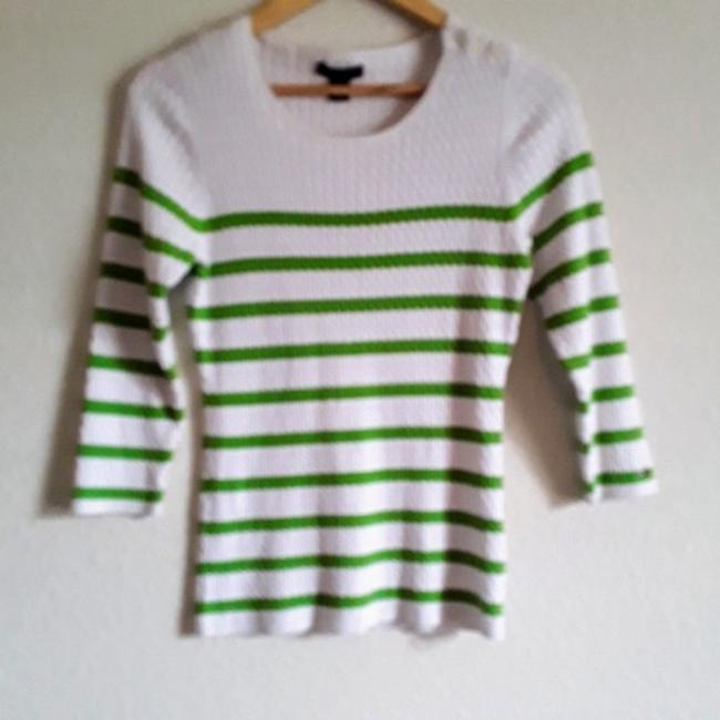 Preload https://item4.tradesy.com/images/tommy-hilfiger-classic-striped-cotton-cable-knit-light-green-and-off-white-sweater-25556918-0-4.jpg?width=400&height=650