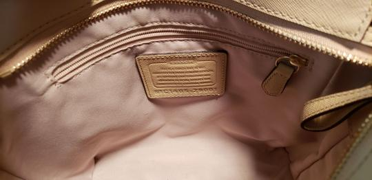 Coach Leather Vintage Tote in Beige Image 2