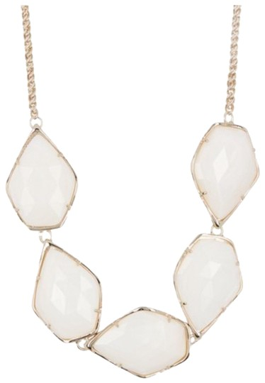 Preload https://img-static.tradesy.com/item/25557096/kendra-scott-white-mop-connely-necklace-0-1-540-540.jpg