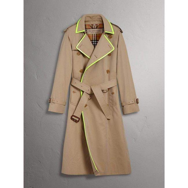 Burberry Honey Beige W Canvas Trench Coat W/Neon Green Trim 56/Us 46 4069176 Groomsman Gift Burberry Honey Beige W Canvas Trench Coat W/Neon Green Trim 56/Us 46 4069176 Groomsman Gift Image 1