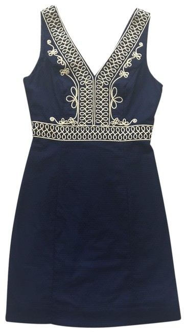 Preload https://img-static.tradesy.com/item/25557242/lilly-pulitzer-true-navy-shift-short-cocktail-dress-size-0-xs-0-1-650-650.jpg