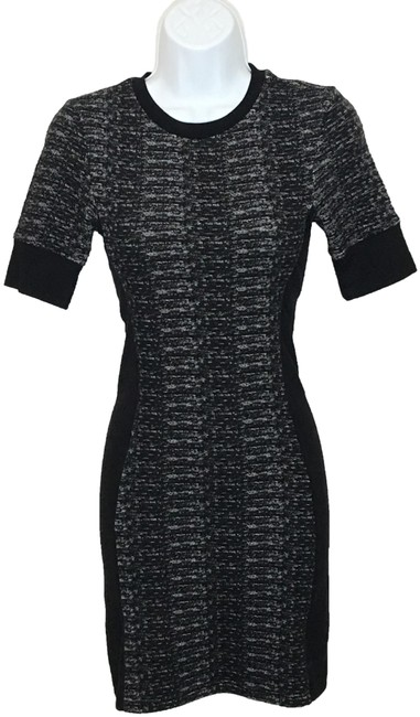 Preload https://img-static.tradesy.com/item/25557246/topshop-blackwhite-knit-body-contour-short-casual-dress-size-2-xs-0-1-650-650.jpg