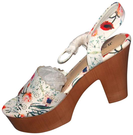 Preload https://img-static.tradesy.com/item/25557584/shoedazzle-m-cherri-platform-floral-sandals-size-us-75-regular-m-b-0-1-540-540.jpg
