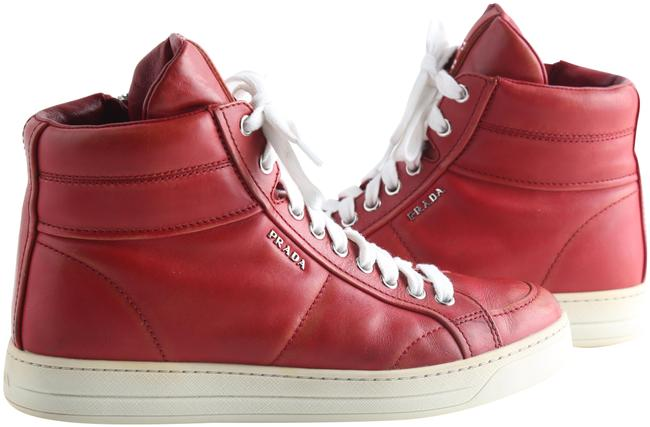 Item - Red Stressed High Top Sneakers Size US 7 Regular (M, B)