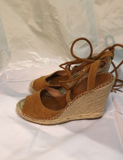 Joie Wedges Image 1