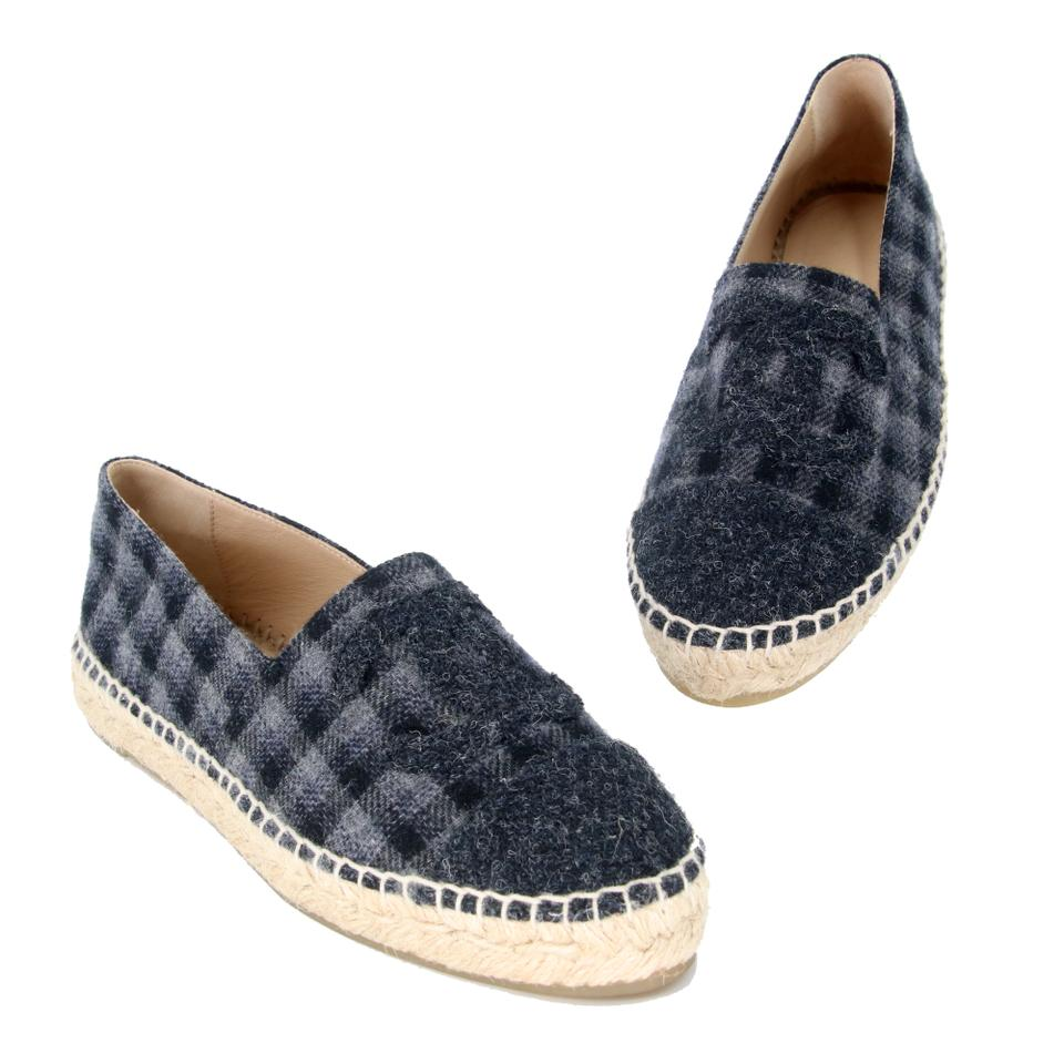 3836e22922a Chanel Grey Black Classic Tweed Cap Toe Cc Espadrille Flats Size US 6  Regular (M, B) 53% off retail