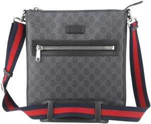 a05dcfdb0 Gucci Messenger Bags - Up to 70% off at Tradesy