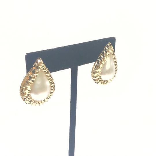 Other BEAUTIFUL VINTAGE!! 14 Karat Yellow Gold and Mabe Pear Shaped Pearl Earrings Image 1